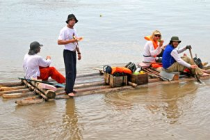 amazon-river-raft-race-2006